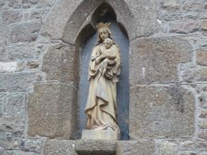 ジャンヌ・ダルク像の隣の像