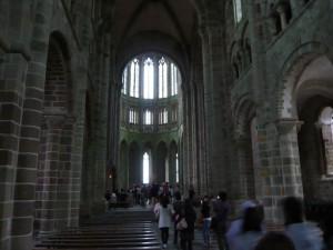 教会堂内部1