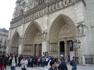 ノートルダム大聖堂入口