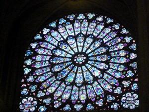 バラ窓のステンドグラス