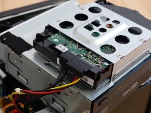 SX2850-H52E/LのDVDドライブとHDD外したの図3